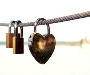 привязать свою любовь