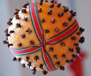 Ароматный талисман из гвоздики и апельсина