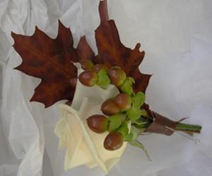 амулет из дубовых листьев